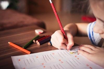 Obert el termini per sol·licitar ajuts d'escolarització i de menjadors escolars