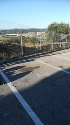 Reparció tanca carrer Indústria  amb C-58, lloc perillós per perill de caiguda zona d'aparcament Centre mèdic (2).jpeg