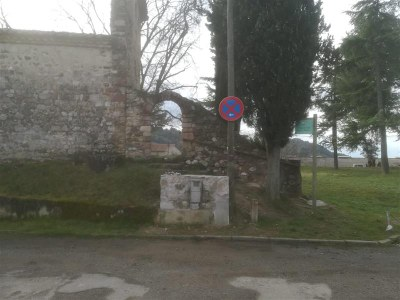 Prohibició estacionament ermita Santa Maria de Toudell