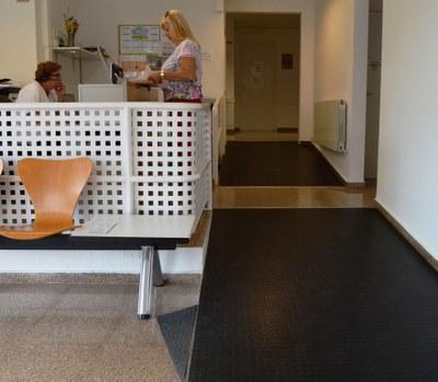 Millora a les rampes d'accés al Centre Mèdic