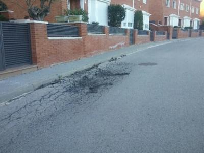 Enfonsament i fissura (Carrer Prat de la Riba)