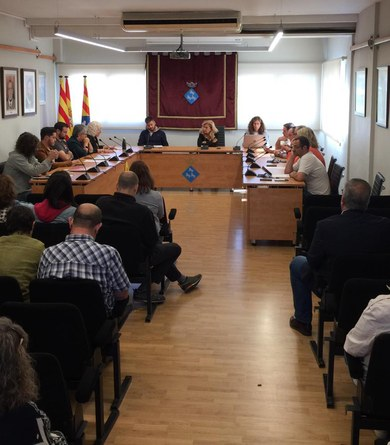 Viladecavalls aprova donar suport a la moció de l'AMI i l'ACM en rebuig a la sentència del procés